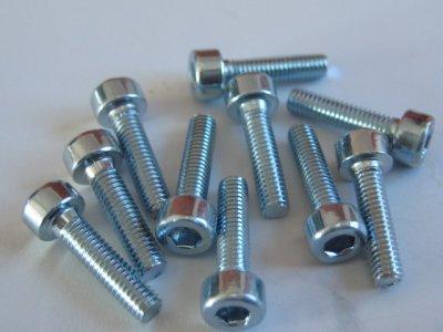 10 Stück Zylinderkopf Inbus M3 DIN 912 8.8 Stahl verzinkt